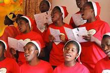 Učitelka v Africe II.: zpěv z not a slzy