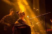 Léčivá hudba ukrytá vděsivém názvu. Lenka Dusilová aBaromantika Vhodině smrti.
