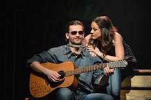 Johnny Blue: nevidoucí muzikant a muzikál ve slepé uličce