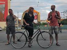 Obrazem: kola, káva, hudba. Od včerejška v Brně pod viaduktem