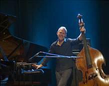 Avishai Cohen: Nejlepší jazzová tradice je nehrát tradičně