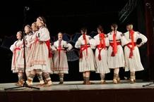 Folklorní soubor Javorník Brno: Zpívání u cimbálu