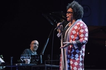 Letošní JazzFestBrno: řada skvělých zpěvaček i hudebnic
