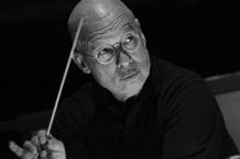 Filharmonie Brno odehraje první koncert ve velkém obsazení. S posluchači na pódiu a orchestrem vhledišti
