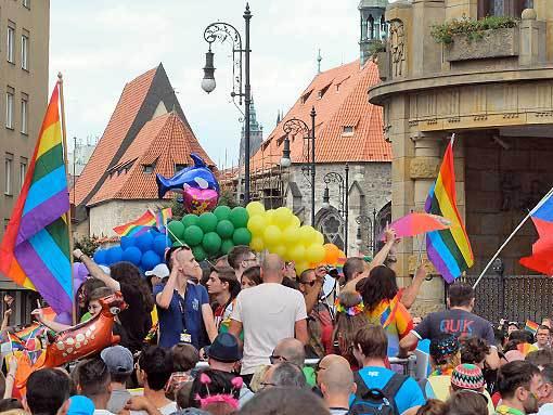 Zápisky naivního diváka. Prague Pride a tolerance k lidem i sound systémům