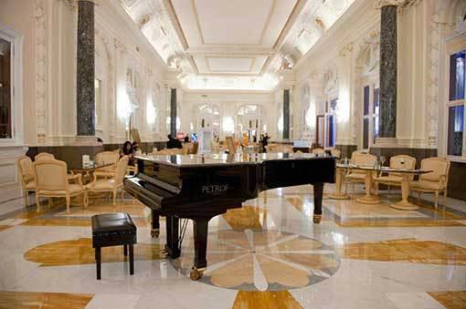 Pražská kavárna hledá Pianistu roku
