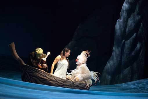 Čarokraj: rodinná výprava do odvrácené strany světa i operního divadla