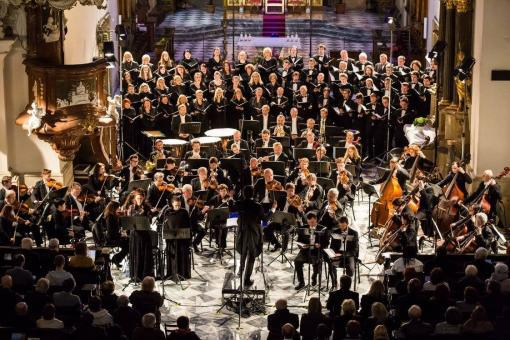 Brucknerovy kompozice rozjasnily závěr Velikonočního festivalu