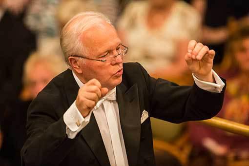 Český filharmonický sbor Brno. Dvacet pět let existence a Requiem na oslavu