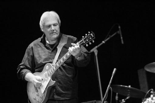 Kytarové legendy na jedné scéně: Luboš Andršt, Joe Karafiát a Dani Robinson