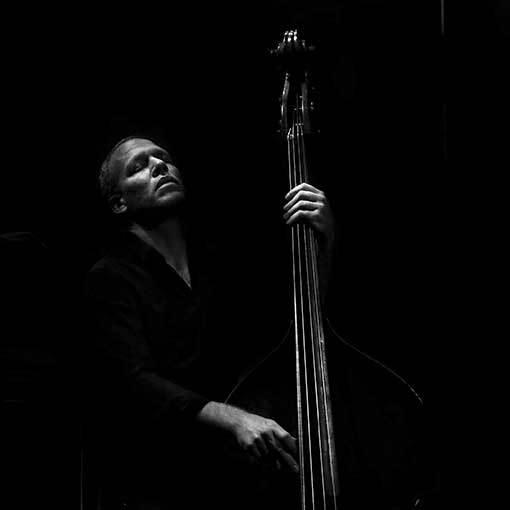 Avishai Cohen vystoupí dnes s Filharmonií Brno
