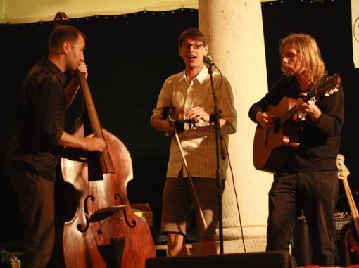 Hudební středy v klubu Verbena. Urband, Oldřich Janota, Ty Syčáci a další