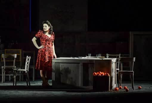 Carmen. Vášeň do běžného divadelního provozu
