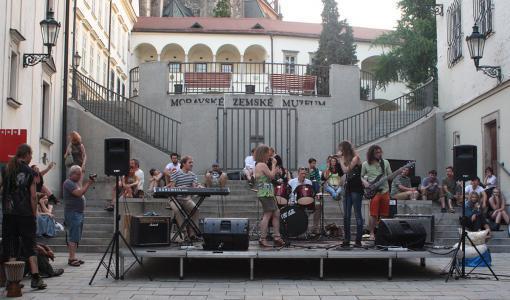 Jam Fest opět rozezní Kapucínské náměstí