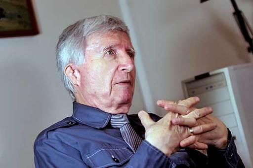 Aktuálně: Jiří Beneš dnes v Besedním domě pokřtí svoji sbírku fejetonů