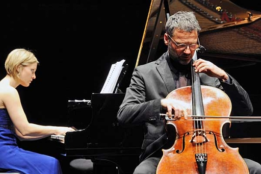 Violoncello místo sboru asonáta Edvarda Griega