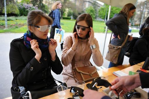 Tmavomodrý festival: Koncerty, zážitkový den a workshop pro nevidomé