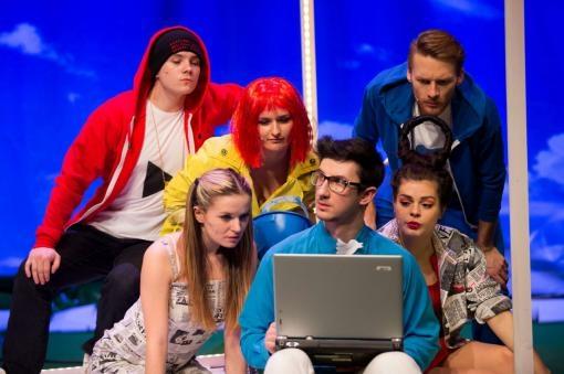 Život bez internetu v Divadle na Orlí: Autorský muzikál Offline!