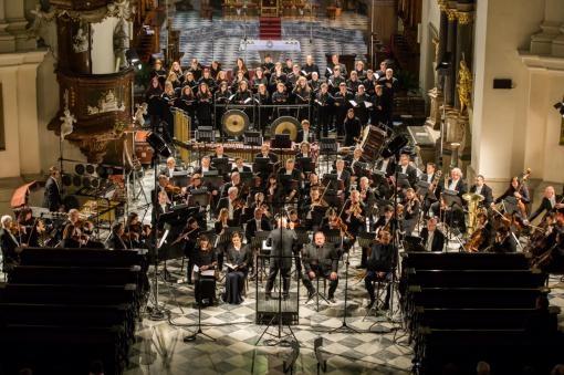 Dva světy začátku Velikonočního festivalu duchovní hudby