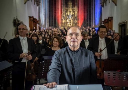 Filharmonie Brno zahájí 65. sezonu a pokračuje ve spolupráci sDennisem R. Daviesem