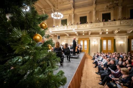 Filharmonie Brno chystá tři adventní večery a koledu Za Brnem kometa