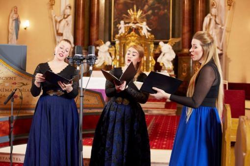 Andělské trio Drei Engeln zazářilo online