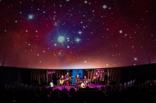 Nevermore & Kosmonaut pokřtí album na Hvězdárně. Koncert doplní vesmírné projekce